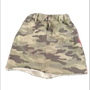 Children's place cute camouflage skirt